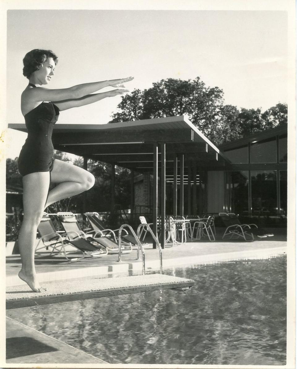 An archival image of the pool at the Terrace Motor Hotel.