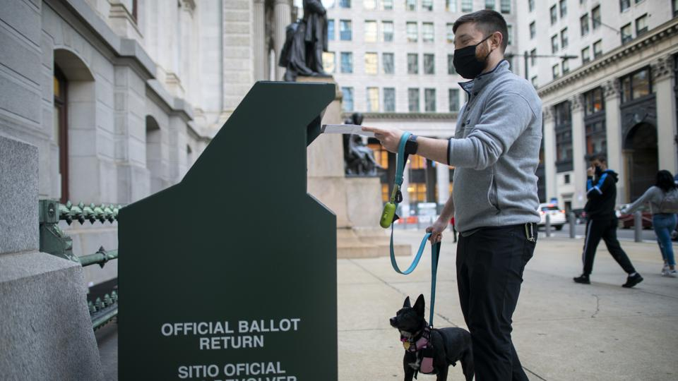 Long Lines Of Voters Wait To Cast Early Voting Ballots In Philadelphia