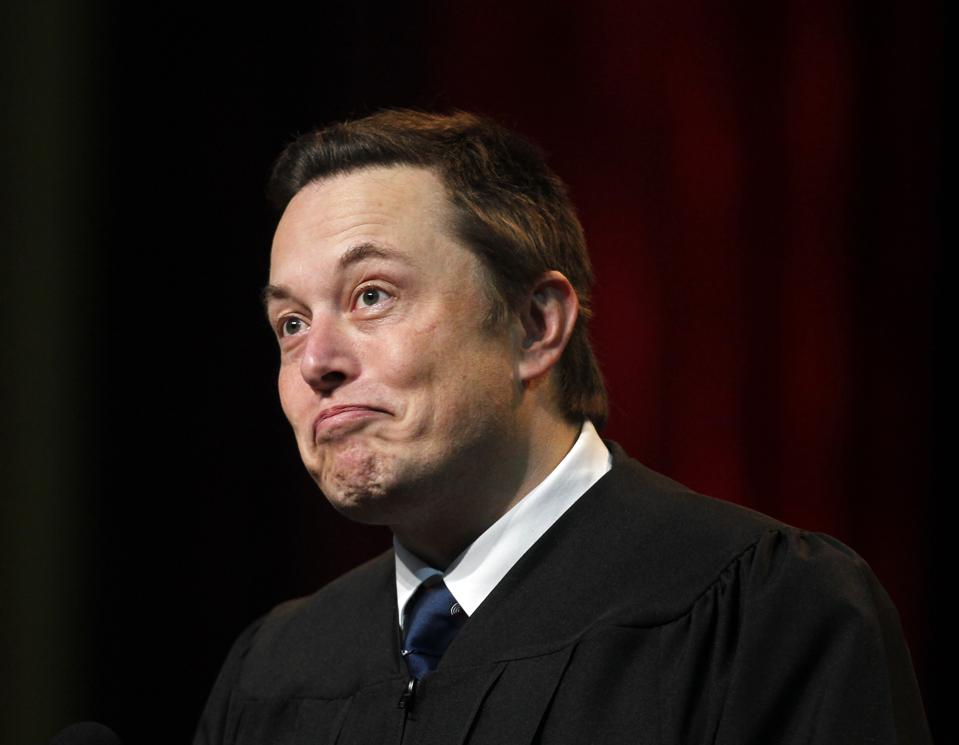 LOS ANGELES, CA.-MAY 16, 2014:   Tesla/SpaceX founder Elon Musk gives the commencement address at US