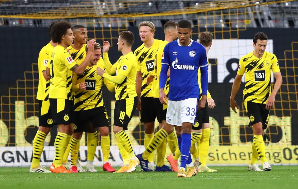 Borussia Dortmund Smash Schalke In Must Win Revierderby
