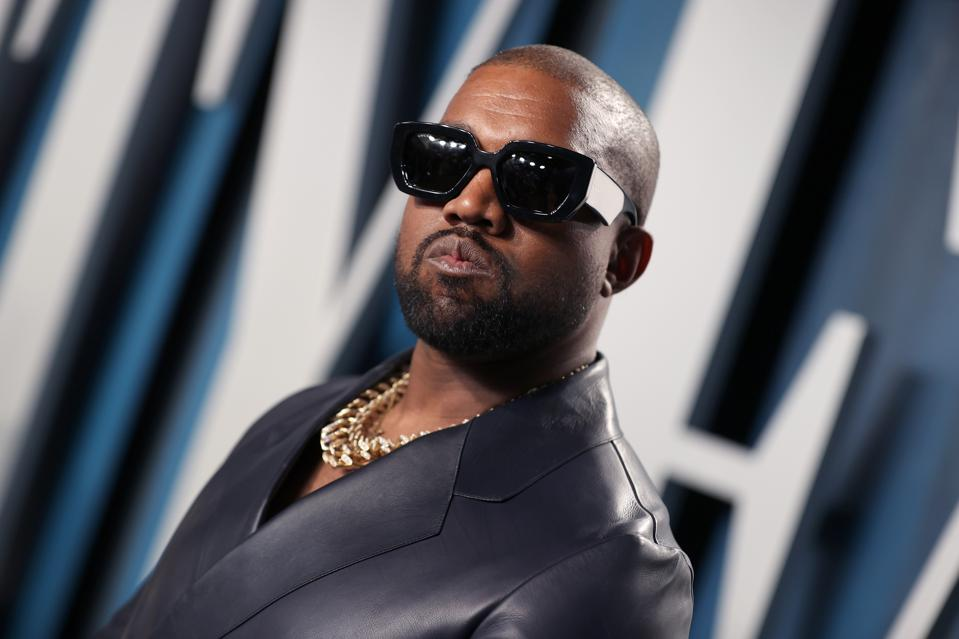 Kanye West attends the 2020 Vanity Fair Oscar Party hosted by Radhika Jones at Wallis Annenberg Center for the Performing Arts on February 09, 2020 in Beverly Hills, California