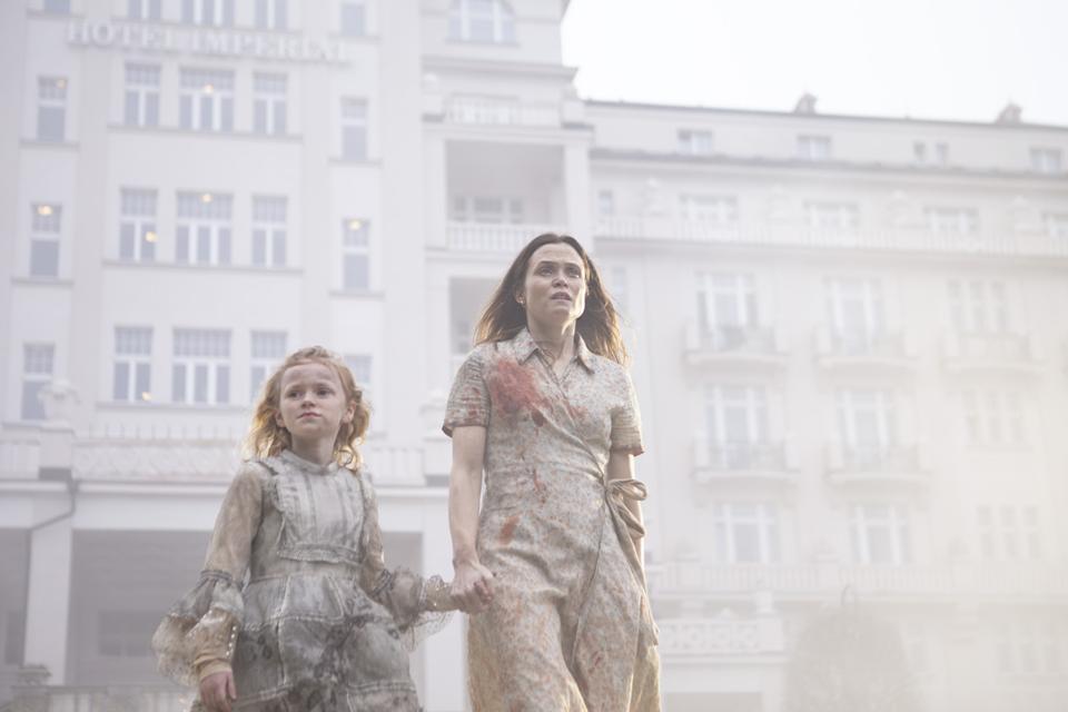 Gitte Witt as Leonora and Tuva Olivia Remman as Alice in Netflix's 'Cadaver'