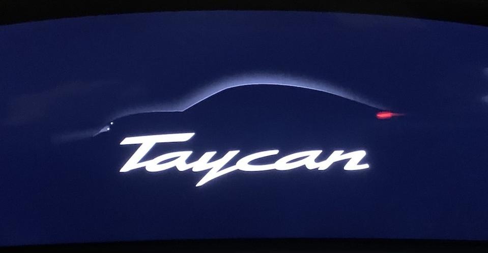 Porsche Taycan Display Screen