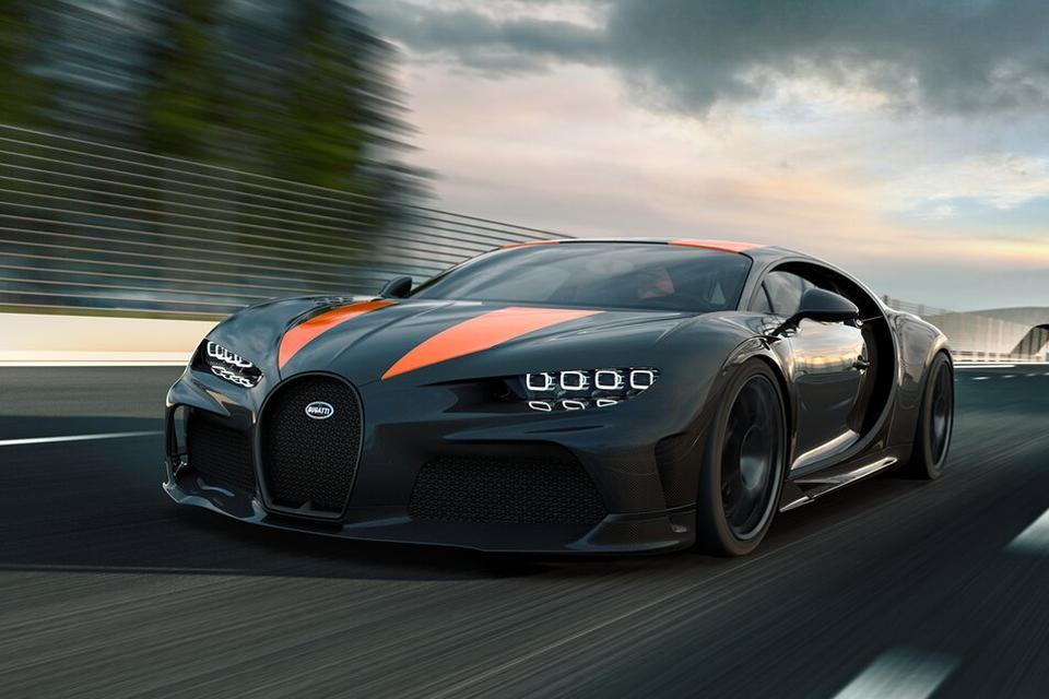 Bugatti Chiron Super Sport 300+ Driving