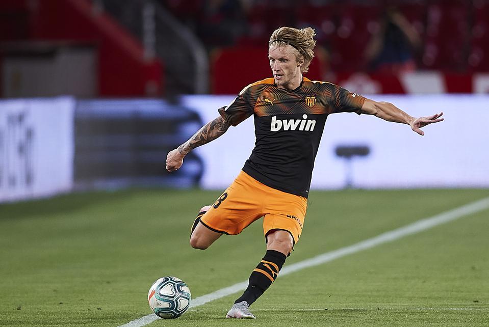 Daniel Wass playing in Granada CF v Valencia CF  - La Liga.