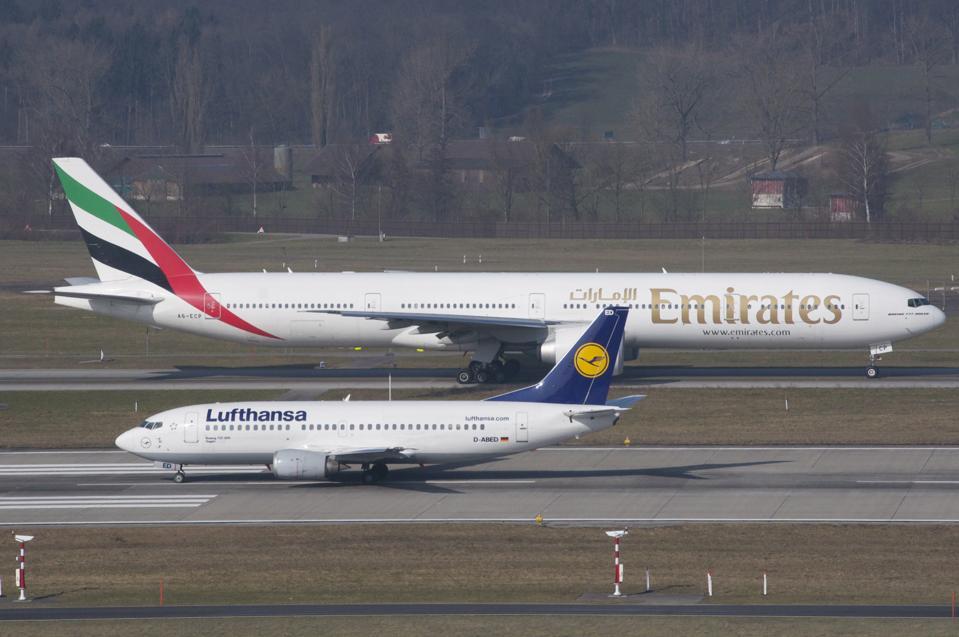 Jumbo jets taxiing