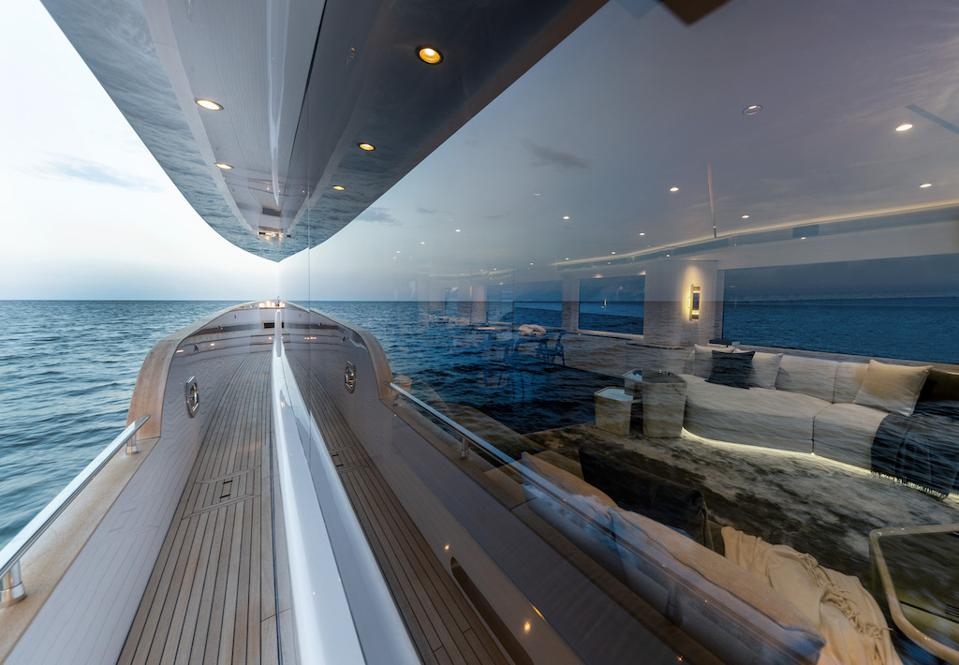 The wall of glass on the new Azimut The new Azimut Magellano 25