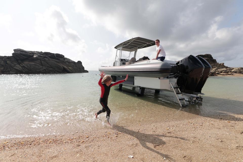 Amphibious boat on the shore