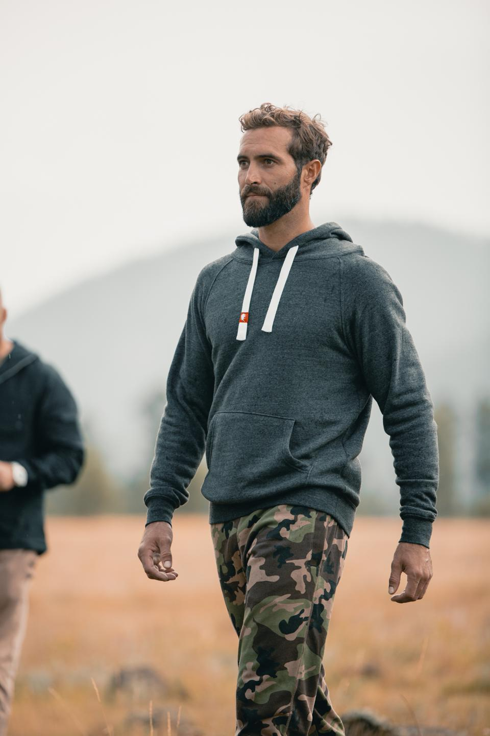 What sets Olsen's style apart from any other hoodie is its discerning thick, white and athletic drawstring and now, the latest styles are decorated with Sportiqe's classic red buffalo tab. Designed with a unisex slim fit, the Olsen is the perfect style for him or her.