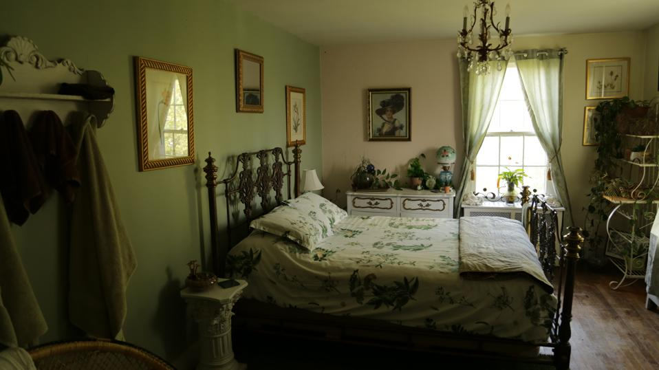 The creepy Conservatory room at Linville Manor in Upper Marlboro, Maryland.