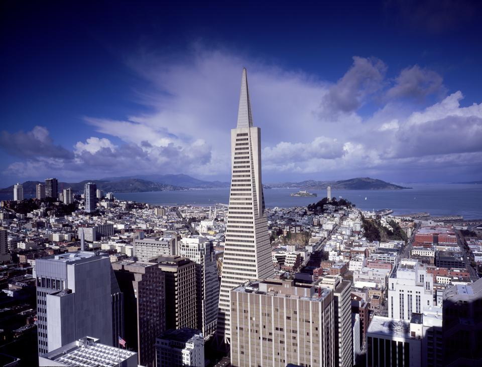 Skyline view of San Francisco, California, with the Transamerica Pyramid as the focus