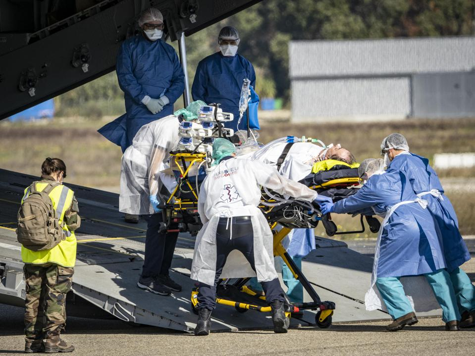 Covid-19 patients in intensive care are evacuated to the Brest hospital on October 28, 2020 in Avignon, France.
