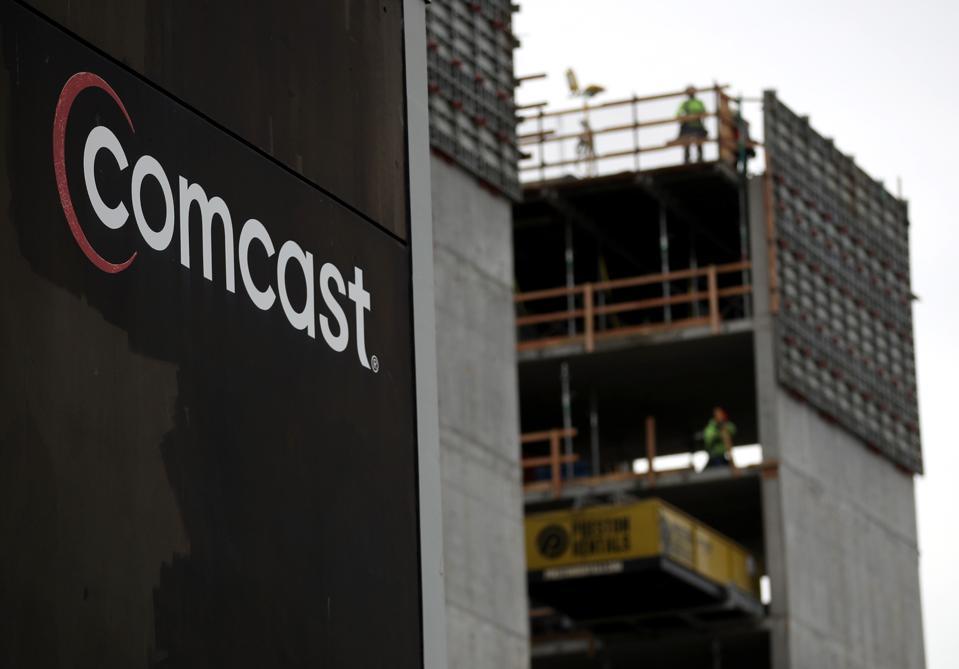 Comcast Profits Rise 26 Percent In Fourth Quarter