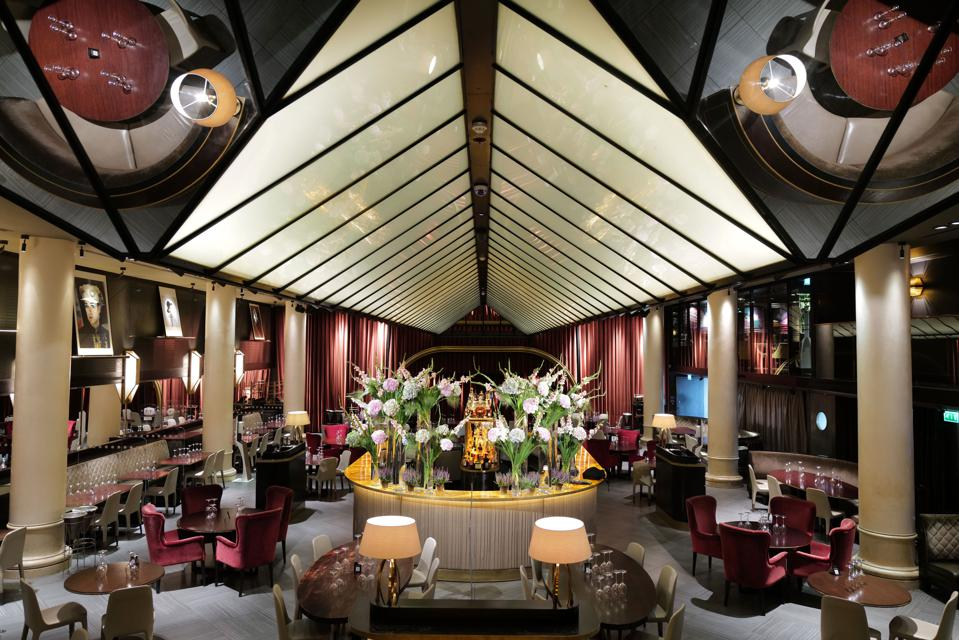 Quaglinos restuarant in Mayfair re-opens for business after being shut during the Covid-19 lockdown.