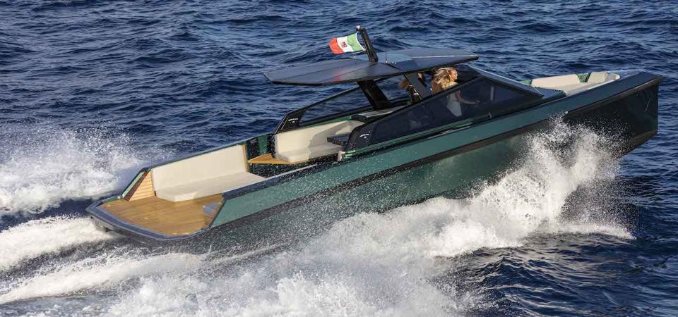 Un nouveau bateau à moteur italien élégant est prêt à répondre à une demande importante | Wally 43wallytender