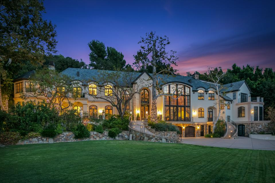 KISS, Gene Simmons, Rock and Roll, California, luxury, real estate, Benedict Canyon