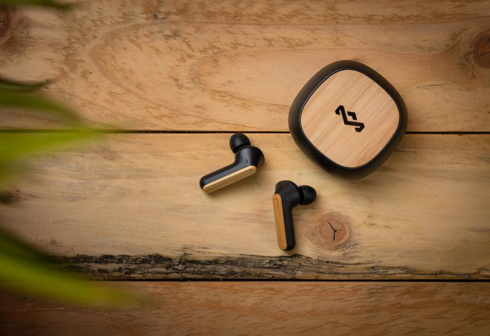 bamboo noise canceling earphones and charging case