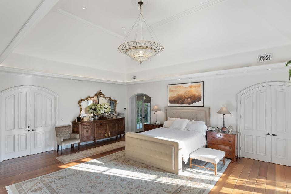 KISS, Gene Simmons, California, luxury, real estate, bedroom, chandelier