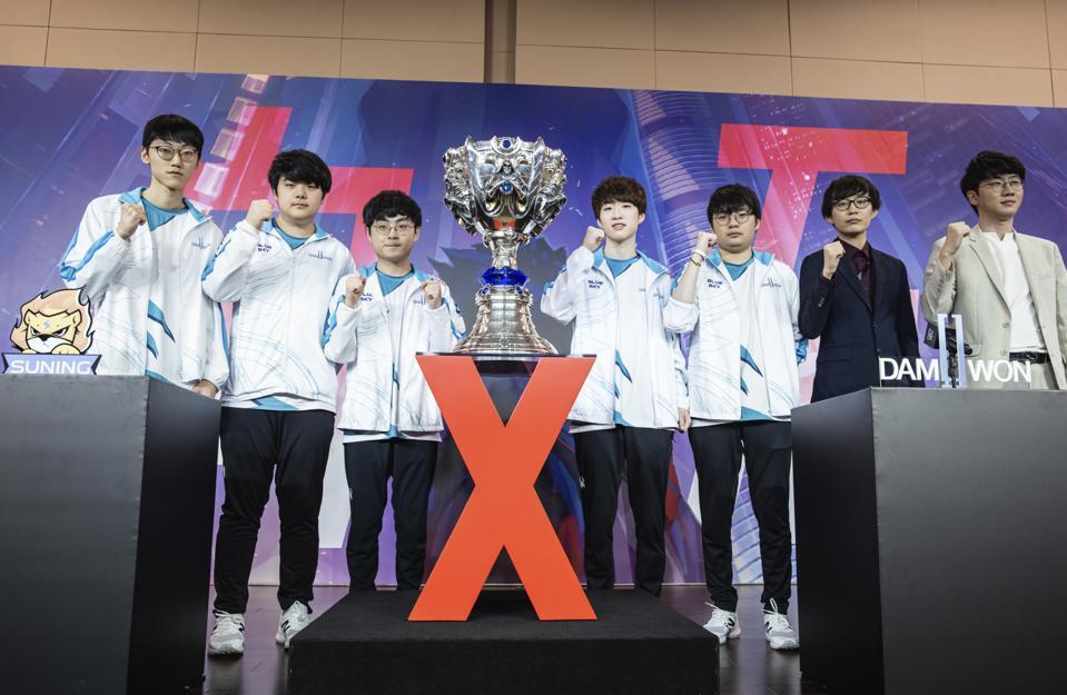 Damwon win worlds.