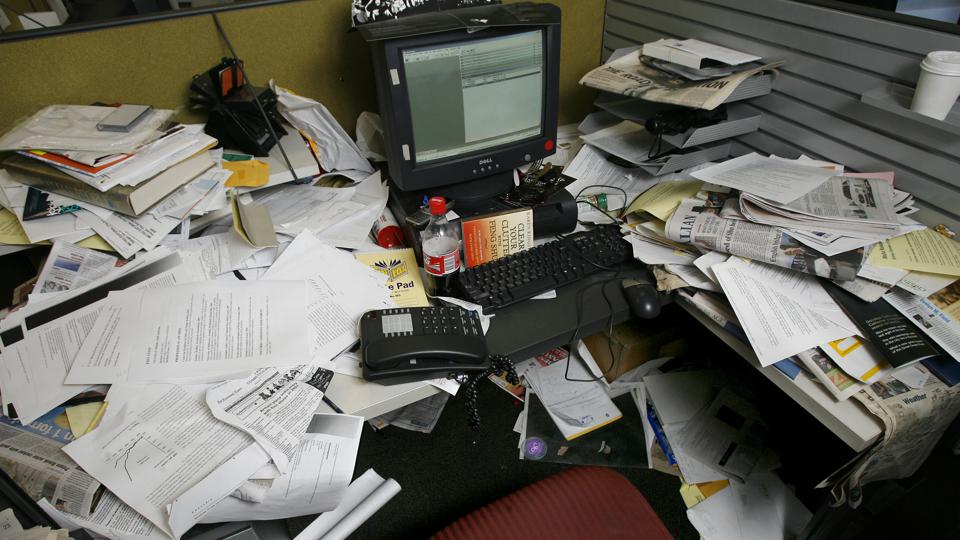 Sloppy analysis is represented by a very messy desk