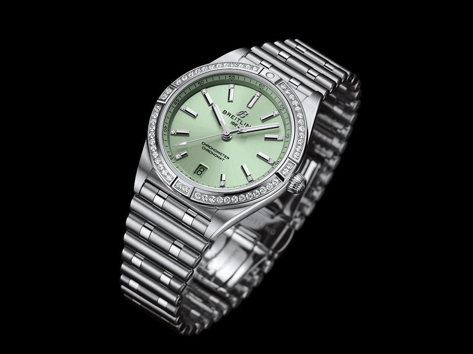 The Breitling Chronomat 36.