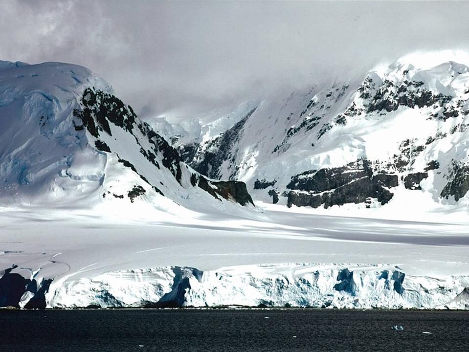The coastline along the Antarctic Peninsula