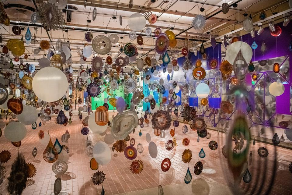 Nick Cave, 'Kinetic Spinner Forest,' 2016. Custom and off the shelf wind spinners, cables, motors. Installation photo at the Momentary, Bentonville, AR.