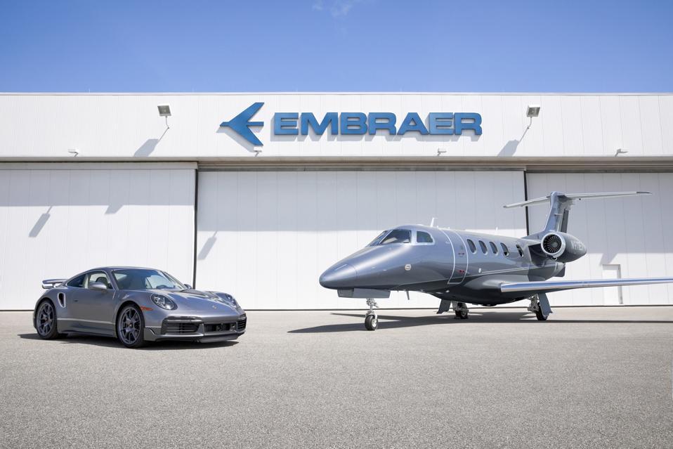 Porsche 911 and Embraer Phenom duet