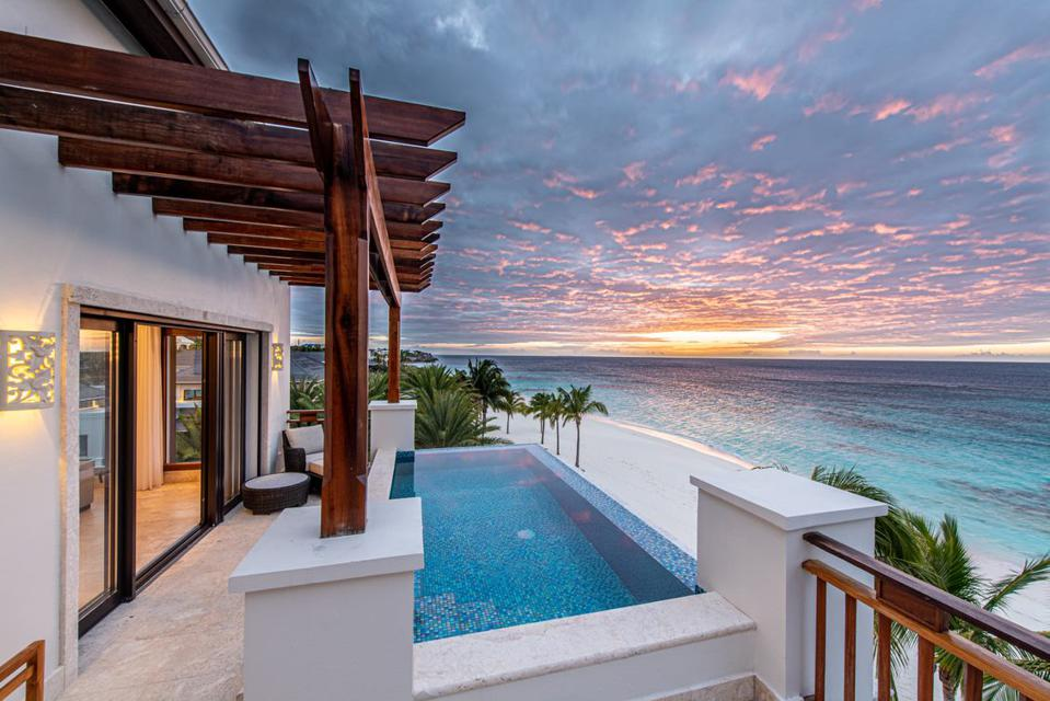 Plunge pools at Zemi Beach House