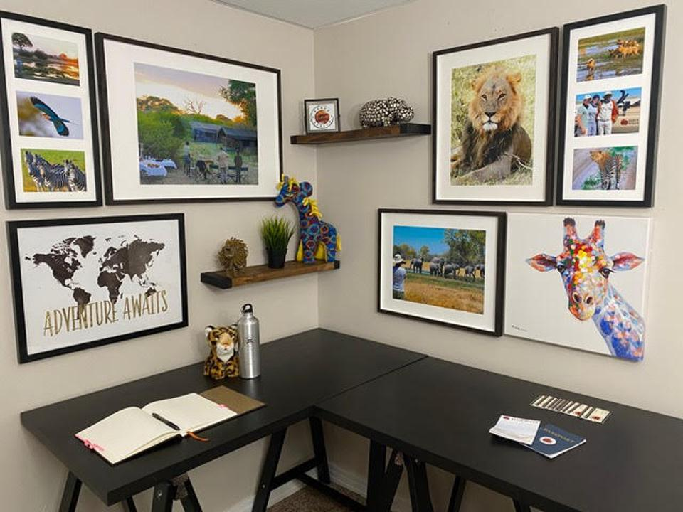 Cozy office corner with an African theme