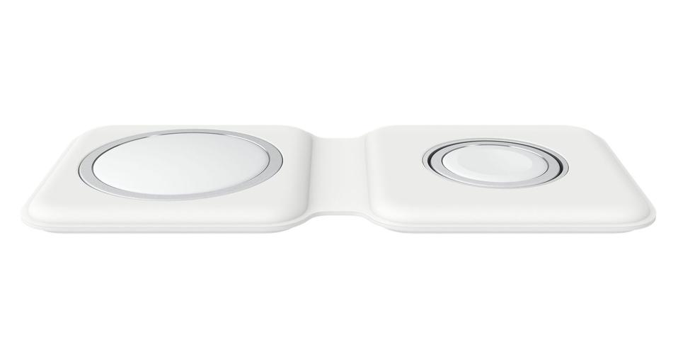 The pleasing near symmetry of the Apple MagSafe Duo charger