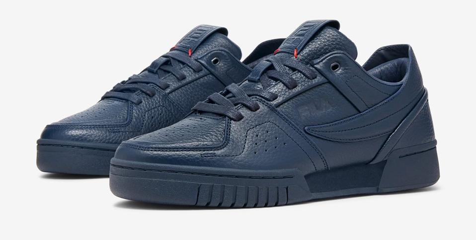 The Centa is one of FILA's newest premium, designed to stand out in the crowd with its premium leather uppers and hand stitch detailing.