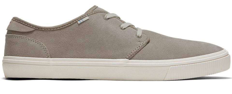 Super lightweight and flexible, these are an excellent closet basic.