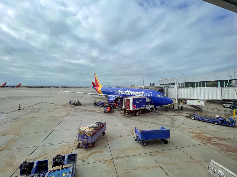 Southwest Airlines 737-800 Oakland Airport