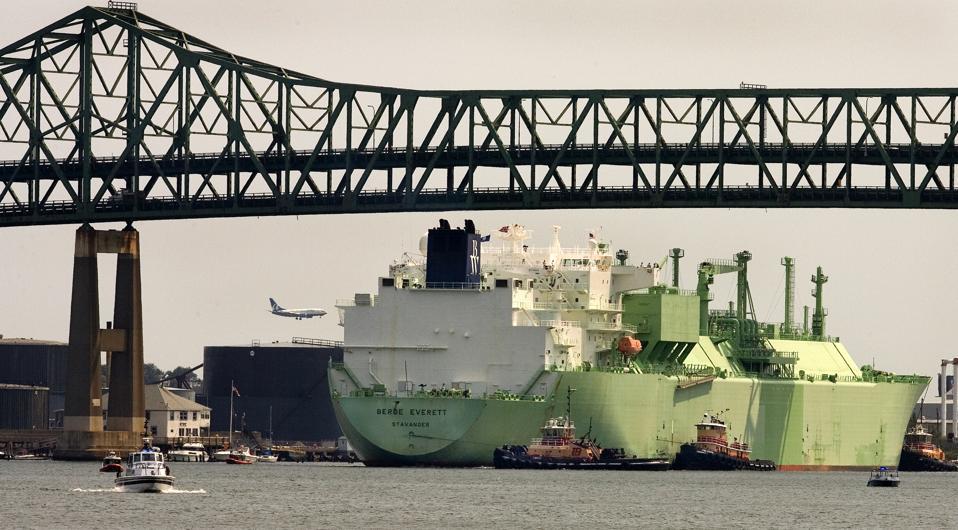 LNG Tanker Berge Crosses Passes Under The Tobin Bridge