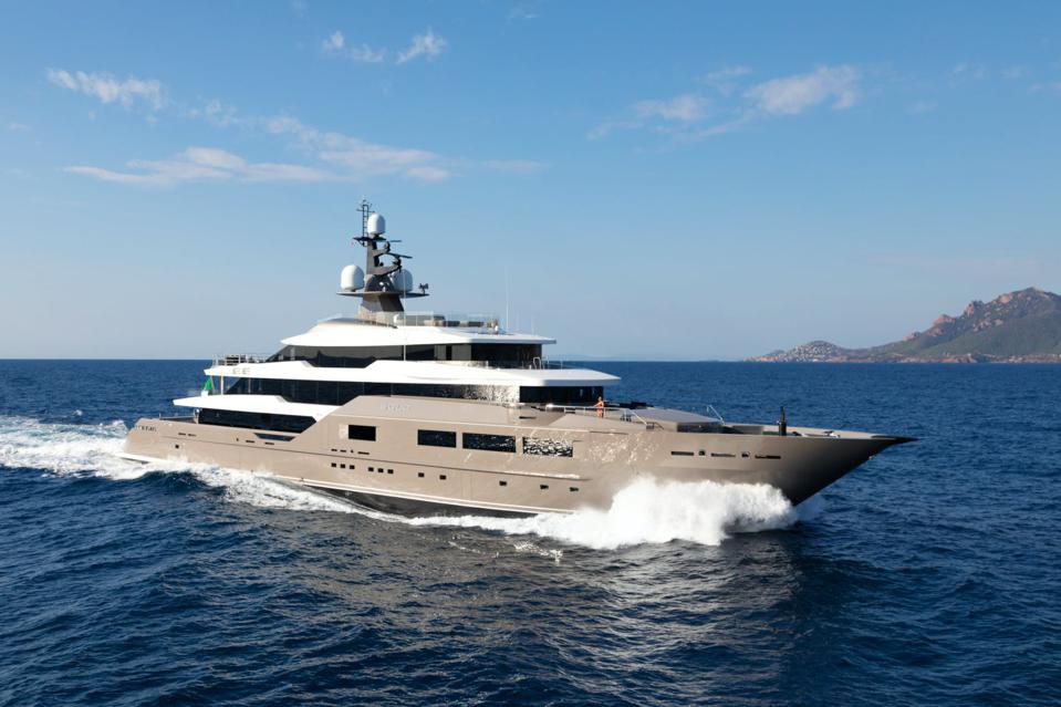 236-foot-long charter yacht Solo