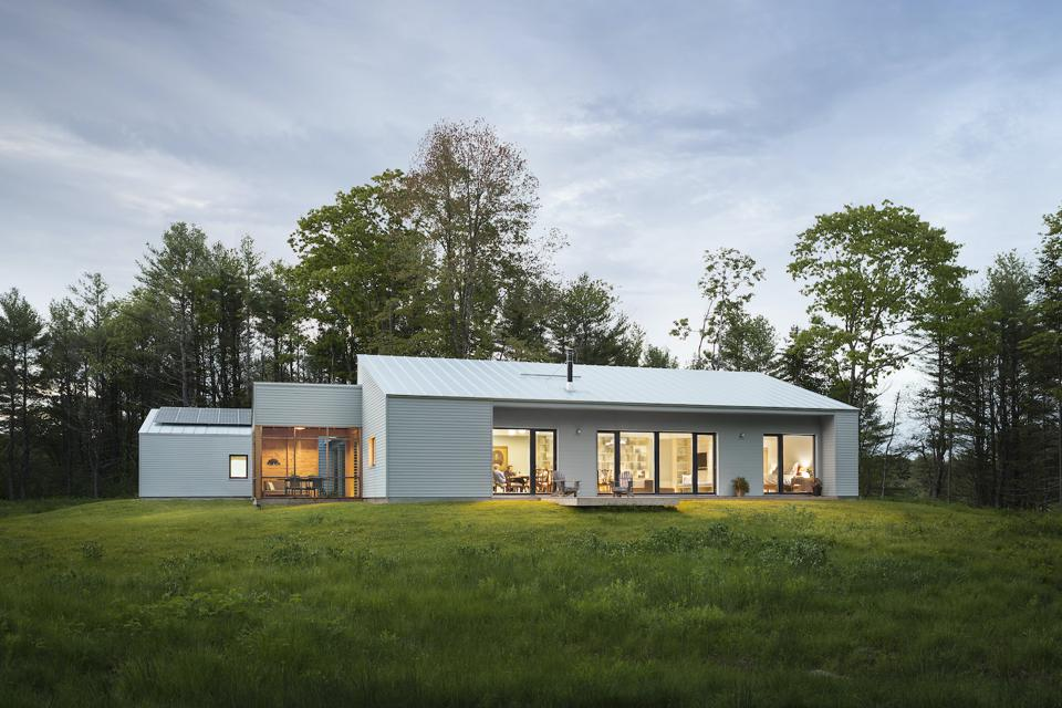 The Cousins River Residence, designed by GO Logic is in Freeport Maine and is 1600 square feet.