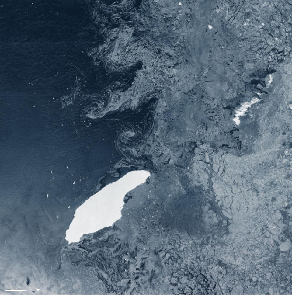 The massive tabular iceberg named A68a calved from Antarctica's Larsen C Ice Shelf in July 2017 and is heading now towards South Georgia, threatening the local wildlife.