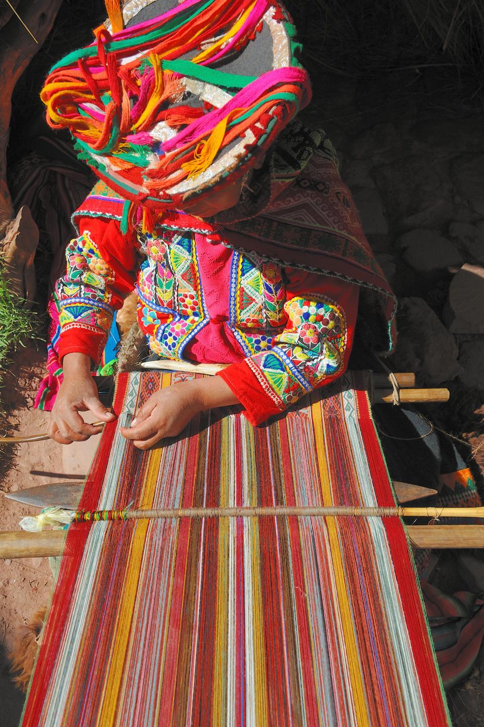 Peru weaving textile inca