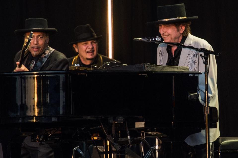 Bob Dylan And Neil Young Perform Hyde Park - London