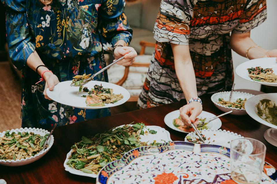 The Culinistas appeal to working moms... and female founders. Here they cater a private dinner party for Tenoverten, a non-toxic nail polish brand.