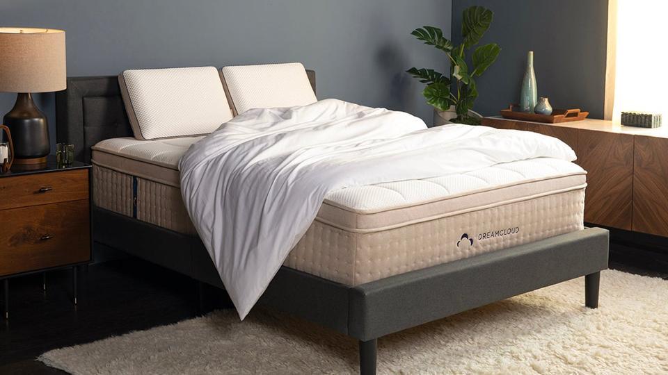 Dreamcloud Comfortable Luxury Mattress Black Friday deal