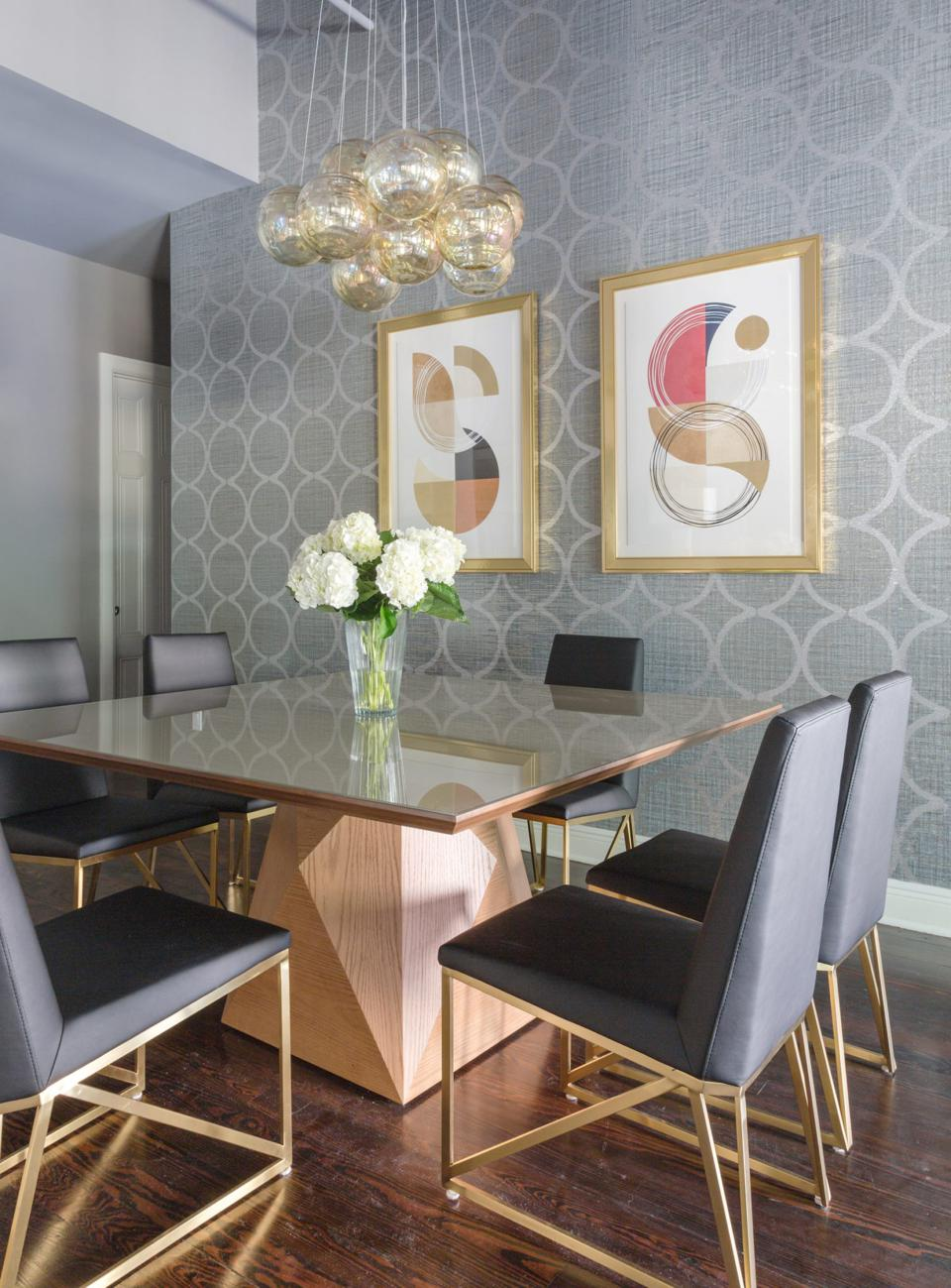 A modern dining room by Eclectic Home