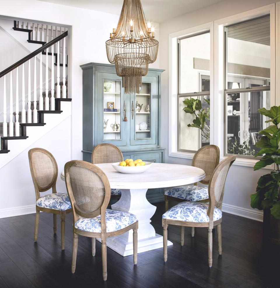 A transitional dining room by CM Natural Designs
