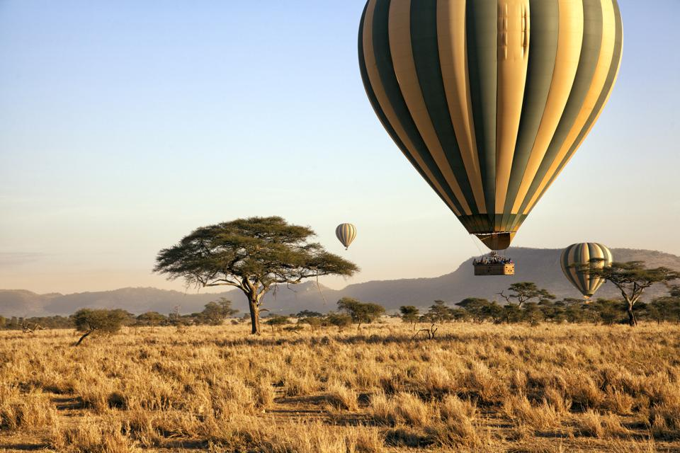 Balloon ride over the Serengeti, Tanzania
