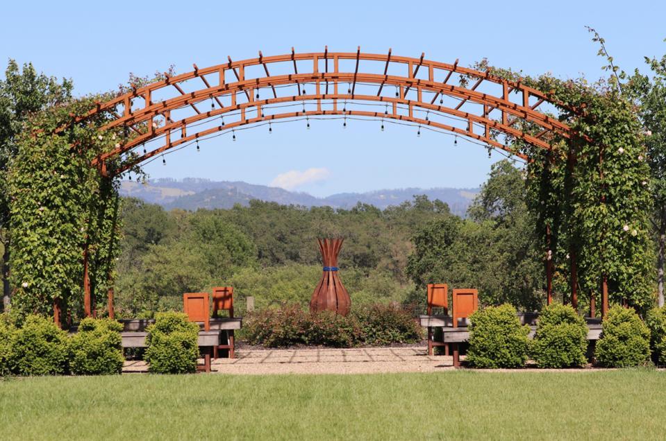 Bricoleur Vineyards outdoor space.
