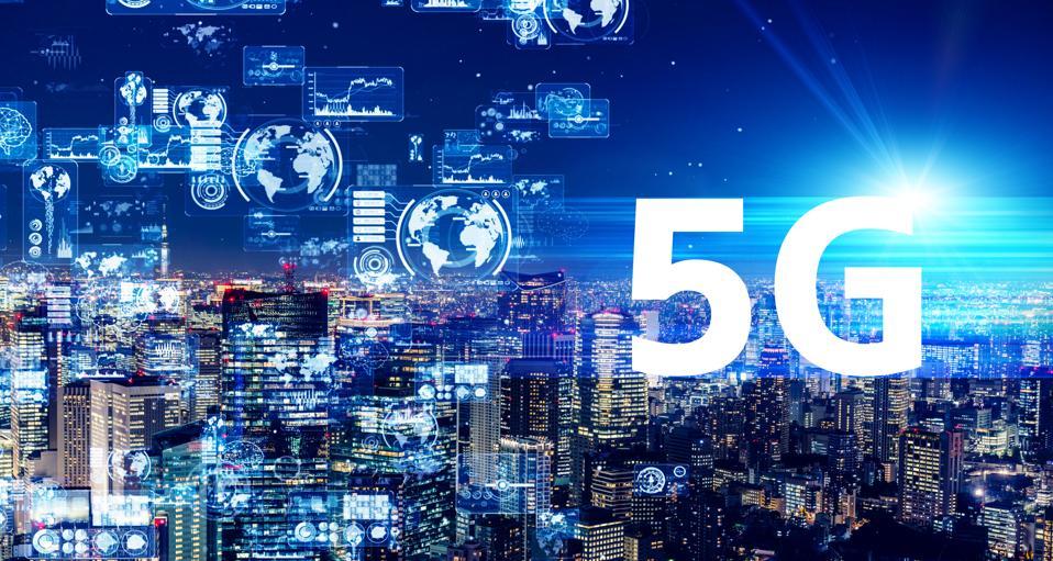 5G (5th generation) communication technology concept. Smart city. Telecommunication.
