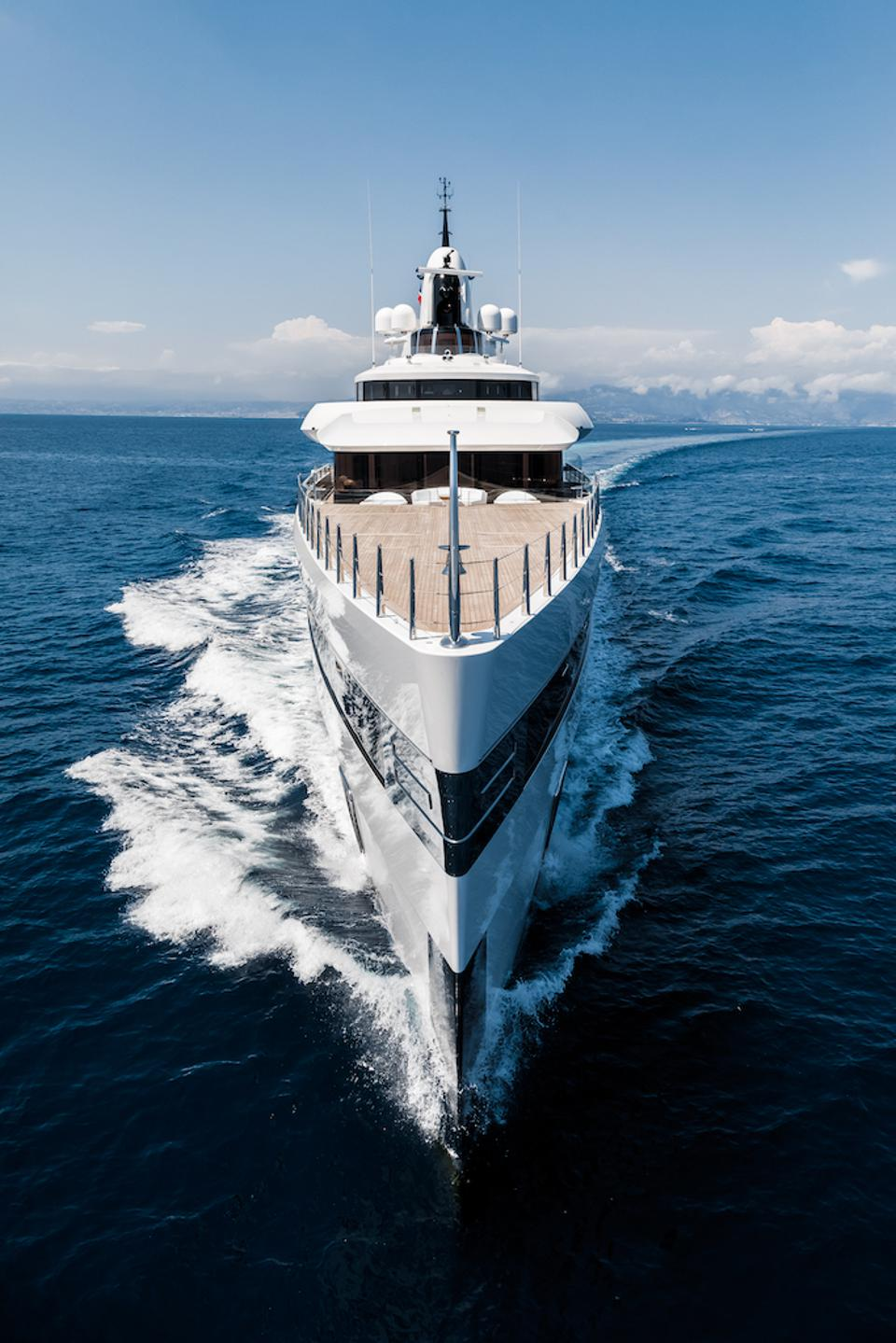 Lady S wins her category in the Boat International's annual superyacht awards