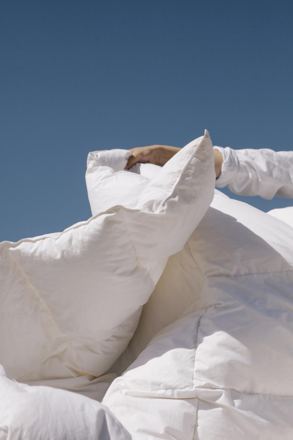 A white blanket.