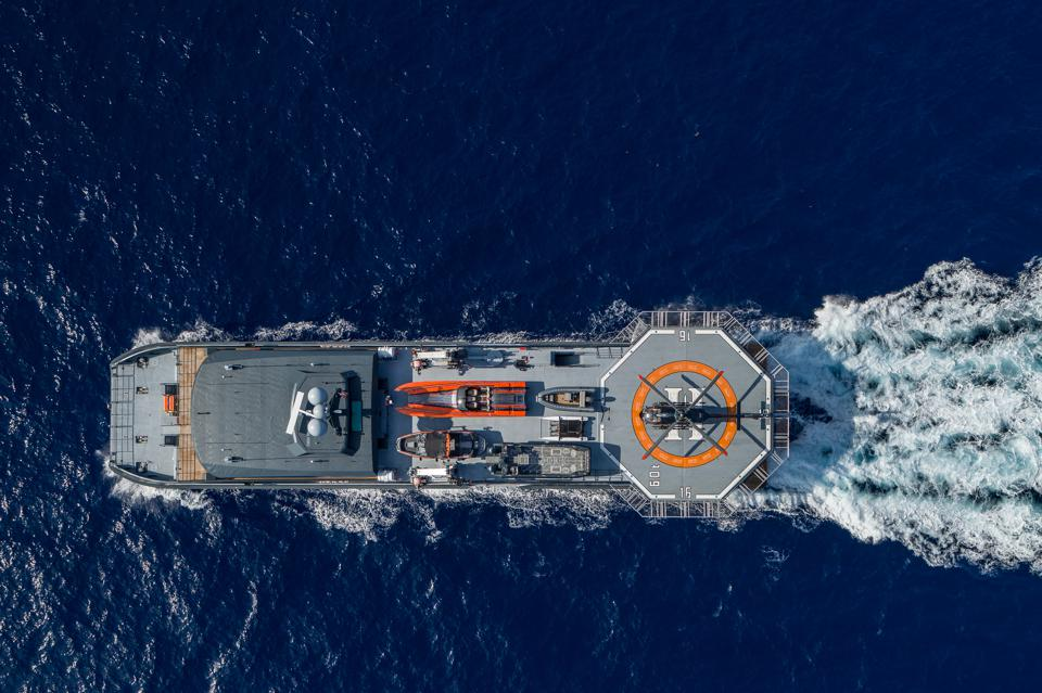 Support vessel Hodor from the air